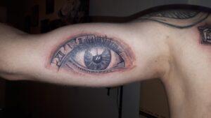 tetování oko newschool