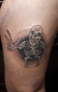 tetování skeleton dotwork newschool