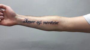 tetování nápis lettering