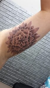 tetování mnadala dotwork