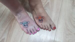 tetování barevné kráva newschool
