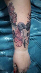 tetování plzeň barevné beran lebka newschool