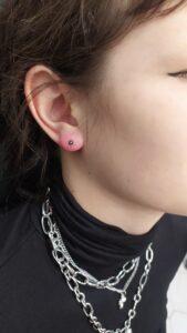 náušnice lobe piercing