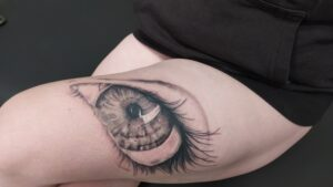 realistické tetování plzeň oko
